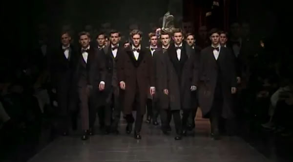 Dolce and Gabbana FW13 world is centred on fashion style 2012-2013
