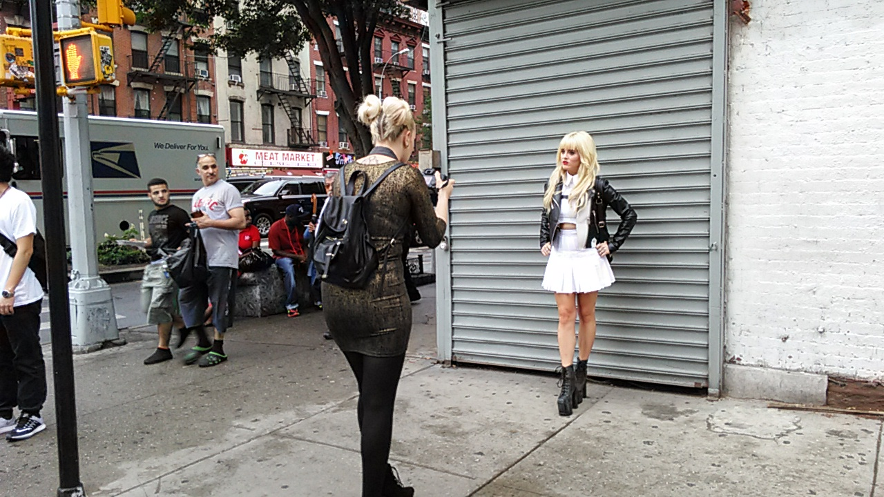 Fashion.on the street. Manhattan. 39 street and 9 ave