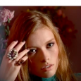 Inside the new Gucci color collection look for Spring Summer 2016. Inspired by the whimsical flowers in Gucci fashion shows, eyes are defined with a soft mauve, lips with an […]