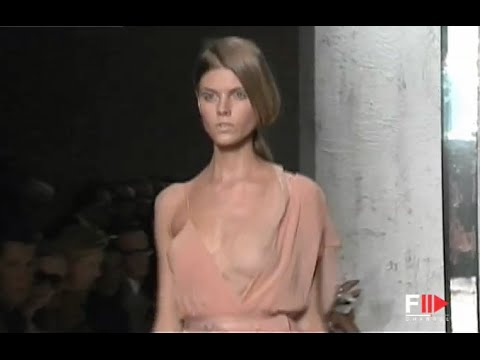 DONNA KARAN Full Show Spring Summer 2010 New York by Fashion Channel YOUTUBE CHANNEL: http://www.youtube.com/fashionchannel WEB TV: http://www.fashionchannel.it/en/web-tv FACEBOOK: https://www.facebook.com/fashionchannelmilano TWITTER: https://twitter.com/FashionChannelP PINTEREST: http://pinterest.com/fashionchannel INSTAGRAM: http://instagram.com/fashionchanneltv The best videos, the […]