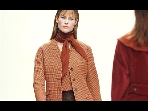 Prada | Fall Winter 1993/1994 by Miuccia Prada | Full Fashion Show in High Quality. (Back in Time – Exclusive Video) #Throwback #Pradaaddicts #Miuccialovers