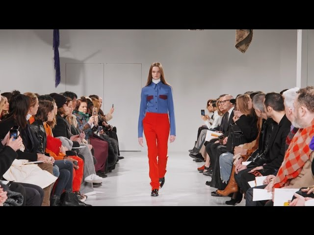 Raf Simons' Fall 2017 runway debut as Chief Creative Officer of Calvin Klein. Watch the Calvin Klein Men's + Women's RTW show from New York Fashion Week.