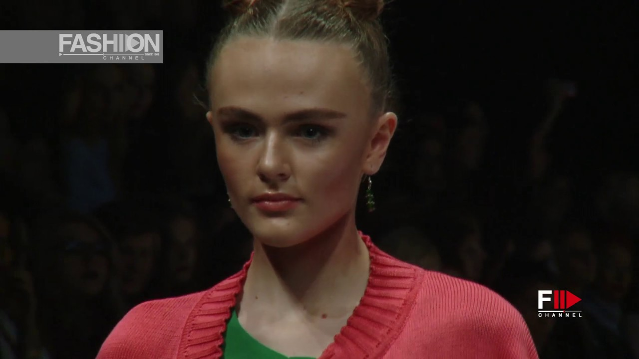 IVANOVA Moscow Spring Summer 2017 ~ Fashion Channel YOUTUBE CHANNEL: http://www.youtube.com/fashionchannel WEB TV: http://www.fashionchannel.it/en/web-tv FACEBOOK: https://www.facebook.com/fashionchannelmilano TWITTER: https://twitter.com/FashionChannelP PINTEREST: http://pinterest.com/fashionchannel INSTAGRAM: http://instagram.com/fashionchanneltv The best videos, the most exclusive moments of […]