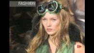 CHANEL Fall 1994/1995 Paris – Fashion Channel YOUTUBE CHANNEL: http://www.youtube.com/fashionchannel WEB TV: http://www.fashionchannel.it/en/web-tv FACEBOOK: https://www.facebook.com/fashionc…