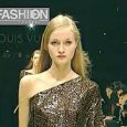 LOUIS VUITTON Fall 2000/2001 Paris – Fashion Channel YOUTUBE CHANNEL: http://www.youtube.com/fashionchannel WEB TV: …